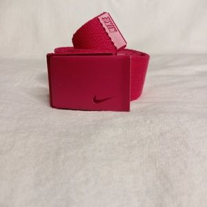 NIKE Women'sTech Essential Single Web Belt
